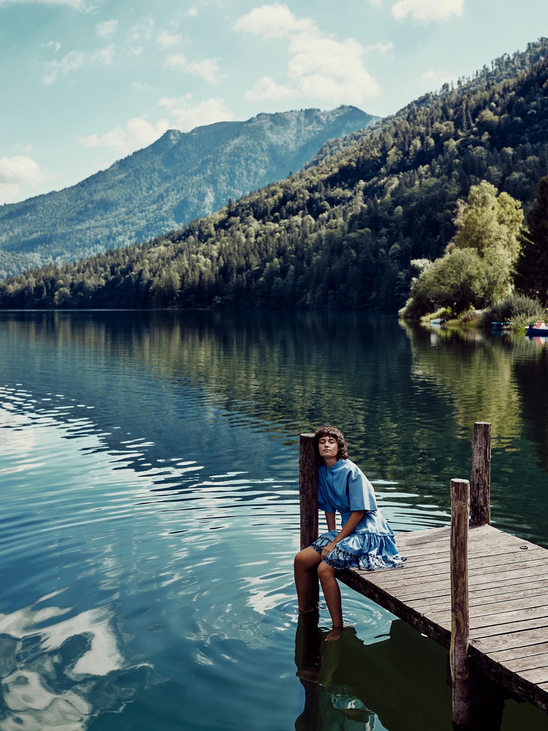 У озера / фотограф Philipp Jelenska