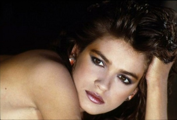 Эро фото модели гиа каранджи, видео молодой трахает зрелую даму