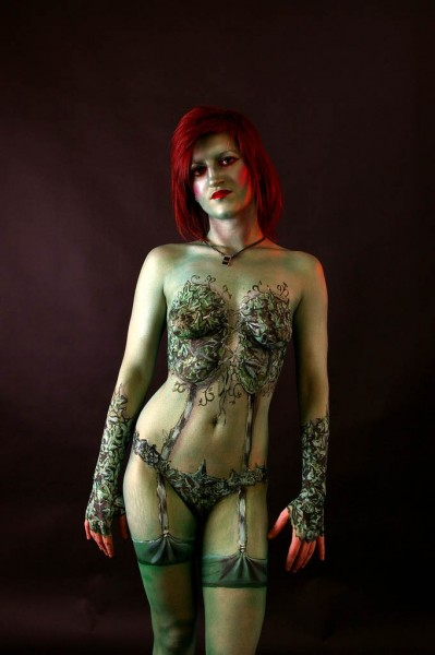 poison-ivy-body-paint