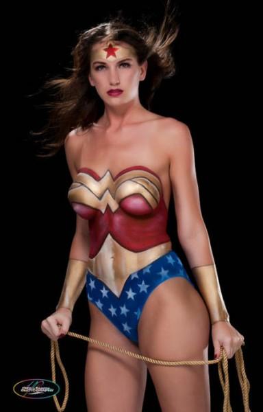 wonder-woman-body-paint-2