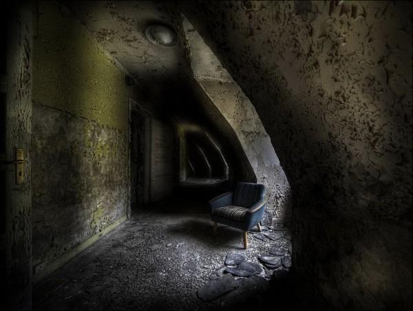 abandoned_01922_018