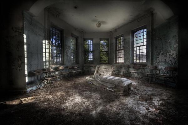 abandoned_01922_020