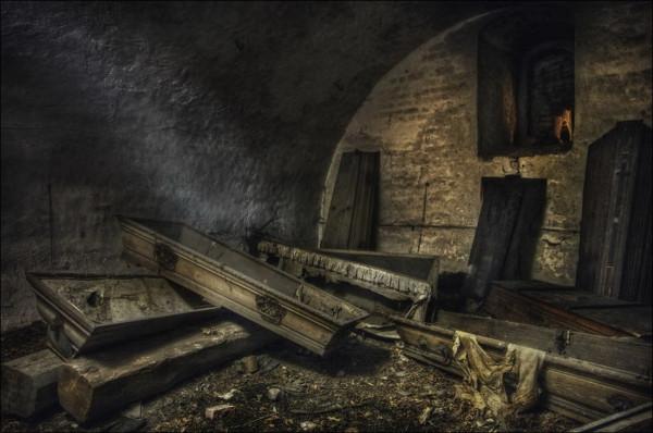 abandoned_01922_025