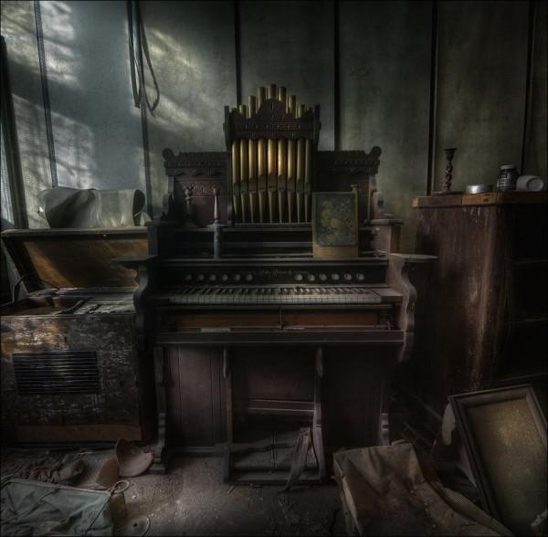 abandoned_01922_029