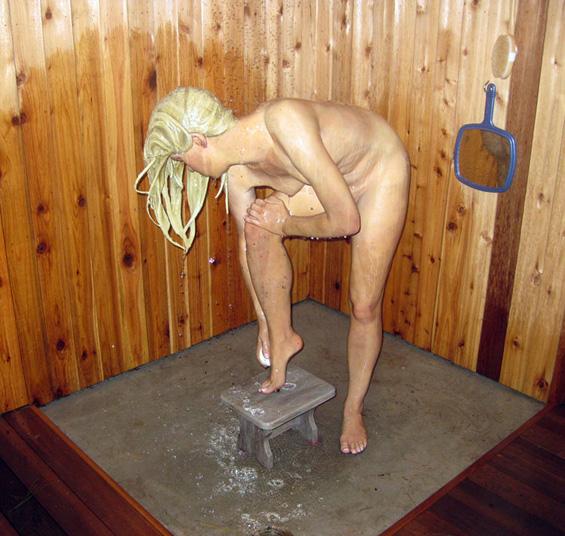 Carole Feuerman 1945 - American Hyper-realist sculptor  (4)