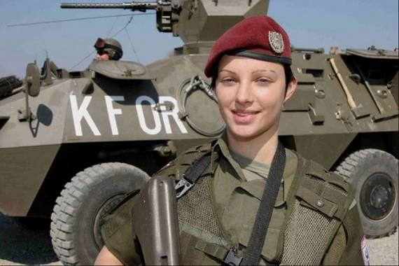 sexy-military-women-around-the-world03