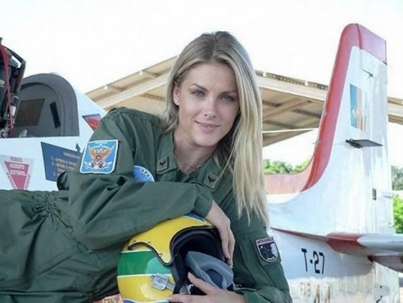 sexy-military-women-around-the-world06