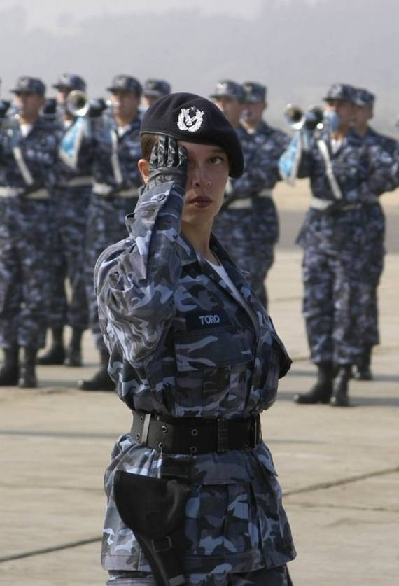 sexy-military-women-around-the-world08