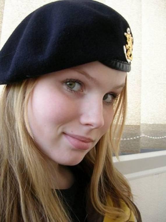 sexy-military-women-around-the-world13