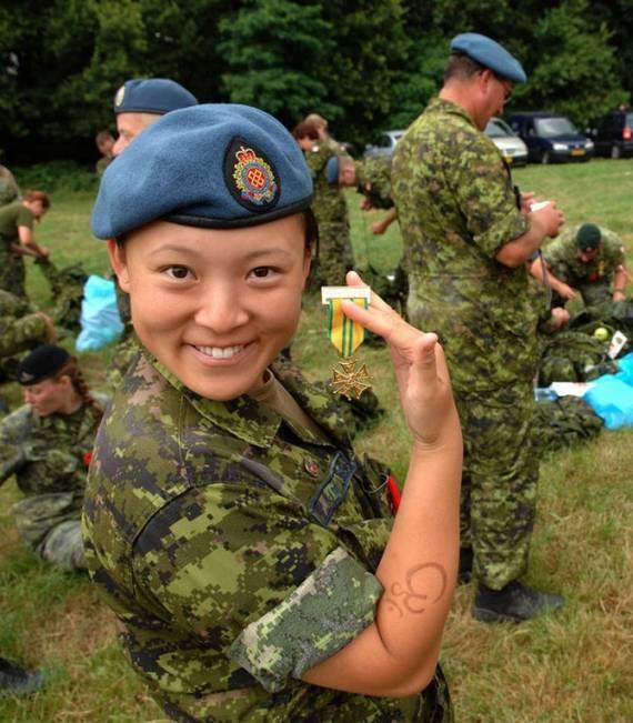 sexy-military-women-around-the-world17