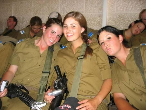 sexy-military-women-around-the-world21