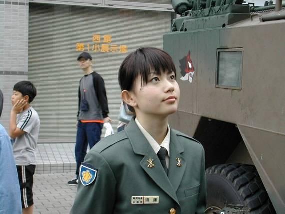 sexy-military-women-around-the-world23