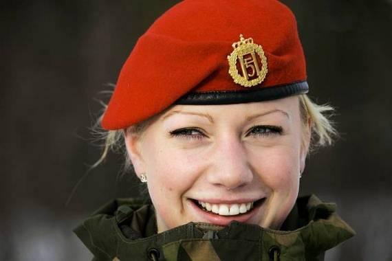 sexy-military-women-around-the-world30