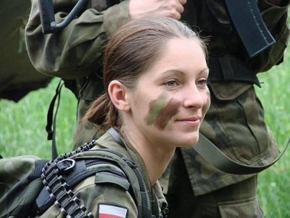 sexy-military-women-around-the-world33