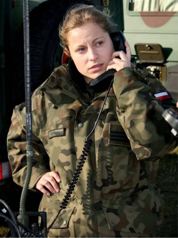 sexy-military-women-around-the-world34