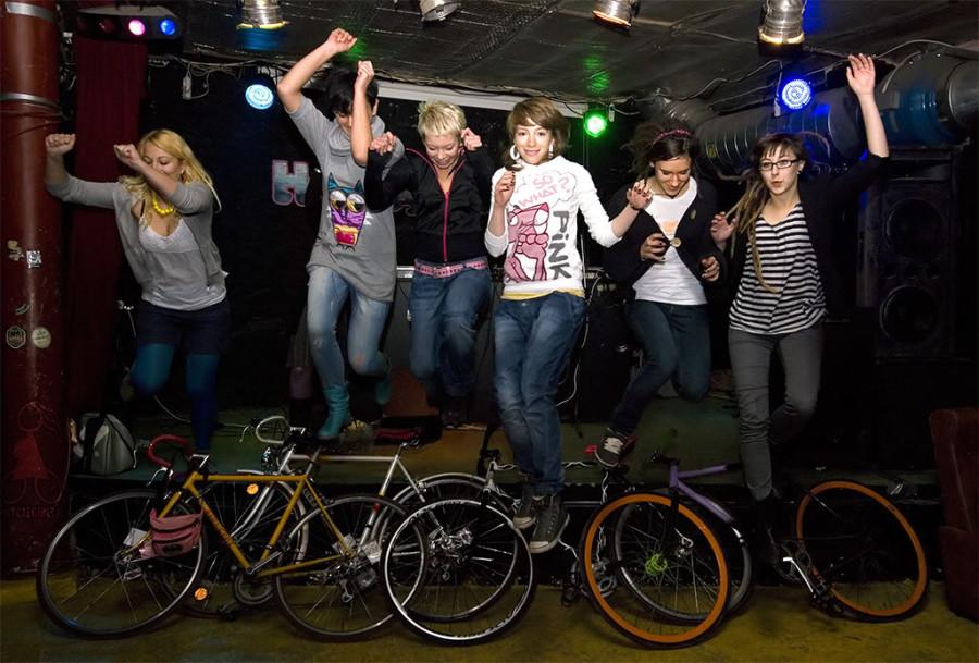 polish-girls-on-bikes