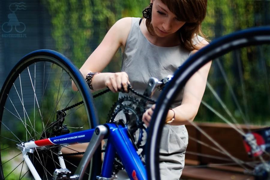 polish-girls-on-bikes-10