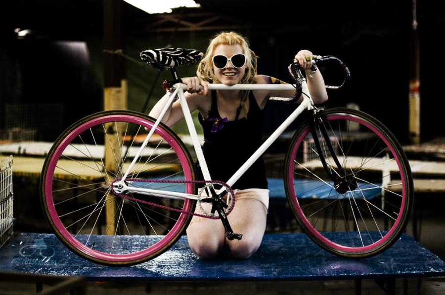 polish-girls-on-bikes-11