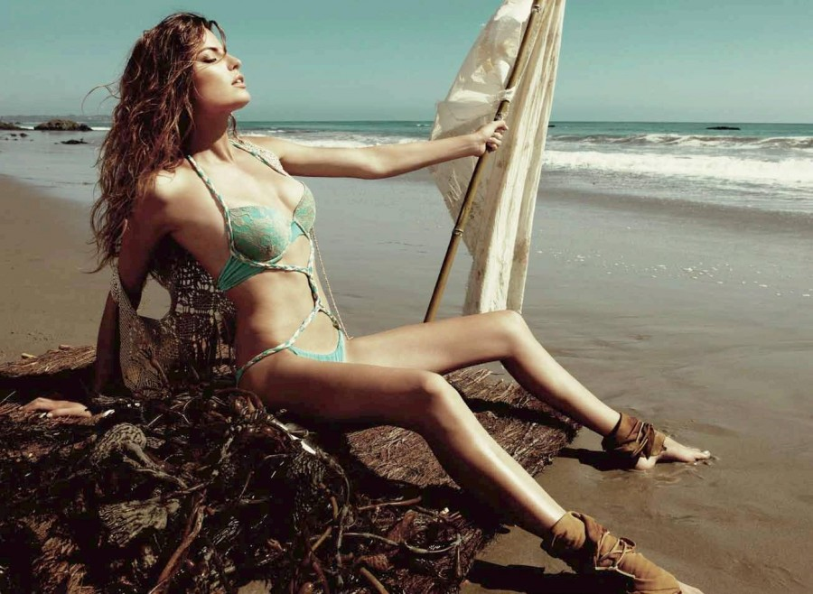 Cameron-Russell-Beach-Bunny-swimwear-2