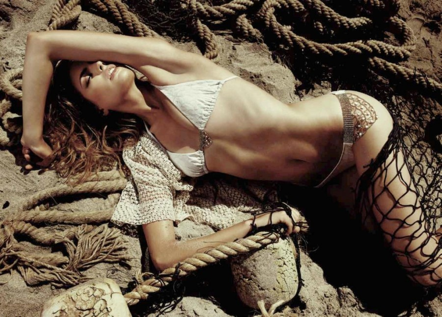 Cameron-Russell-Beach-Bunny-swimwear-6-1024x737