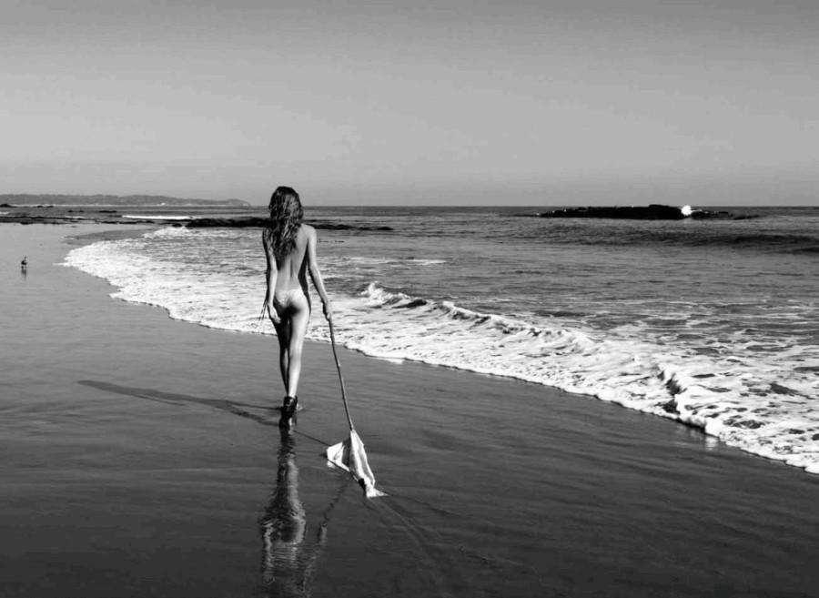 Cameron-Russell-Beach-Bunny-swimwear-19-1024x748