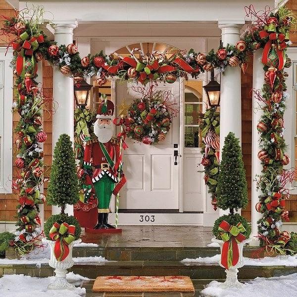 14-Outside-Christmas-decor
