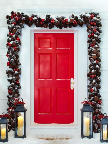 18-Red-Christmas-door