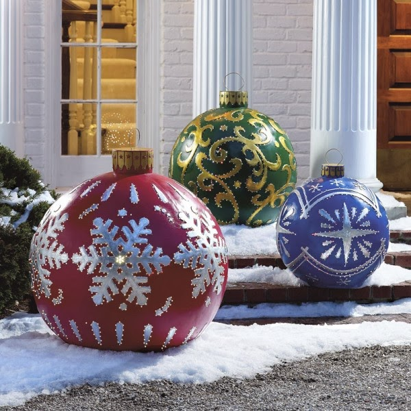 19-Giant-baubles-600x600