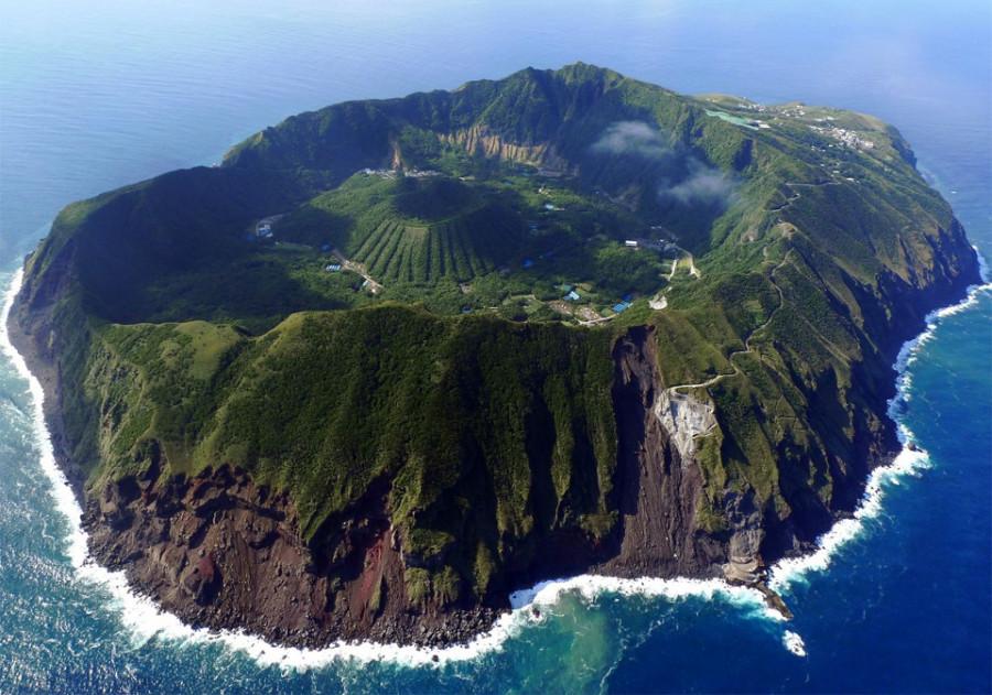 aogashima-volcano-japan 9