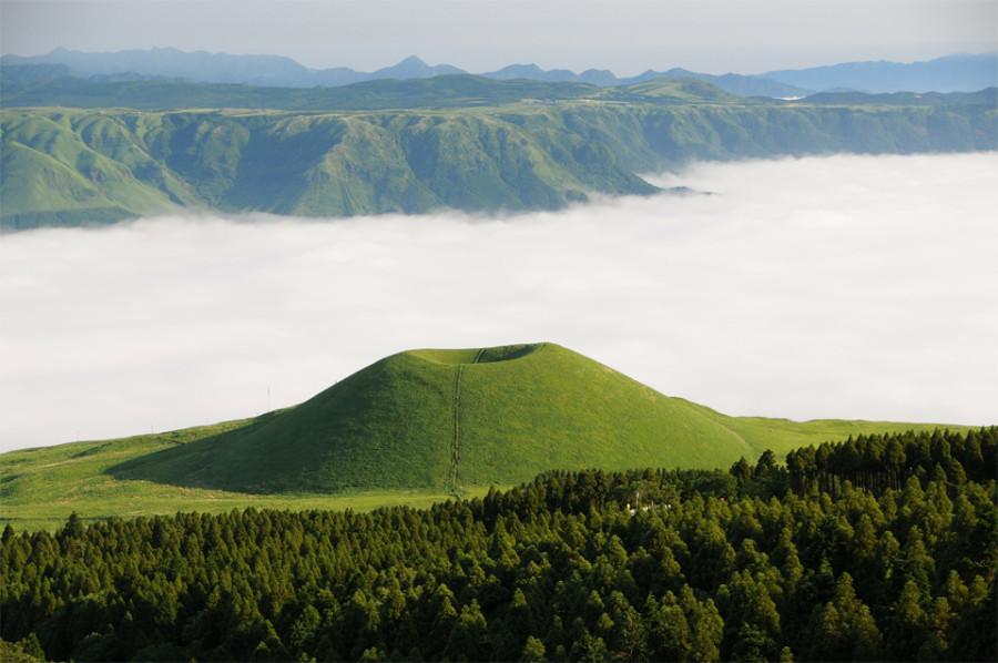 sea-of-clouds-kumamoto-japan 2