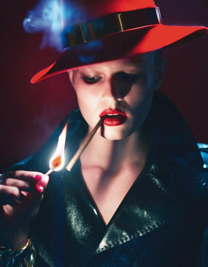 Lara-Stone-Vogue-Paris-Mert-Marcus-05