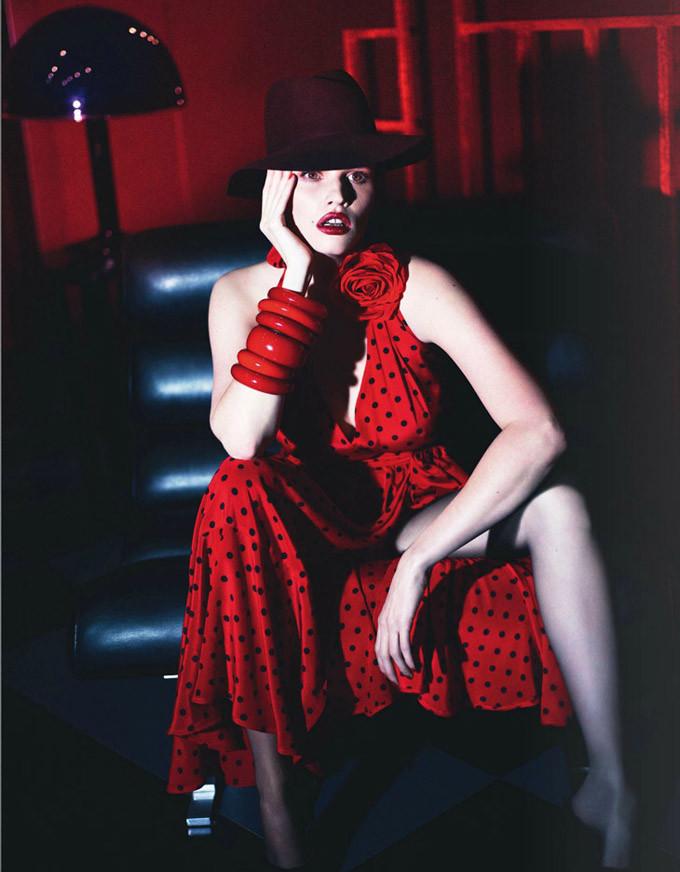 Lara-Stone-Vogue-Paris-Mert-Marcus-07