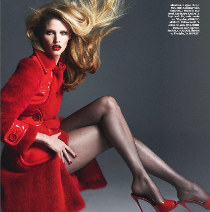 Lara-Stone-Vogue-Paris-Mert-Marcus-09