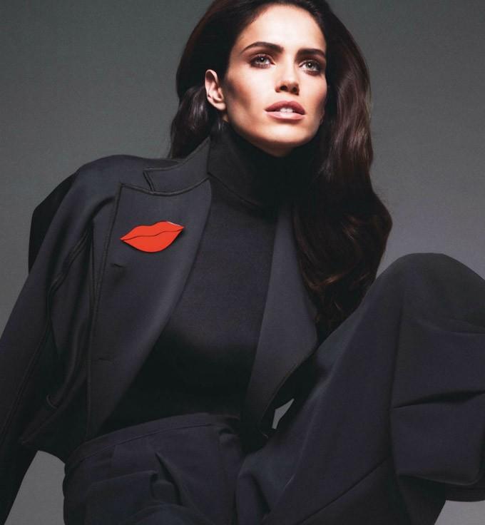 Lara-Stone-Vogue-Paris-Mert-Marcus-10