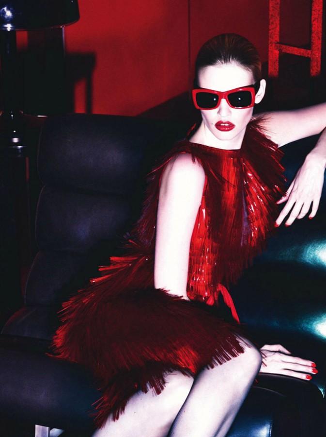 Lara-Stone-Vogue-Paris-Mert-Marcus-12