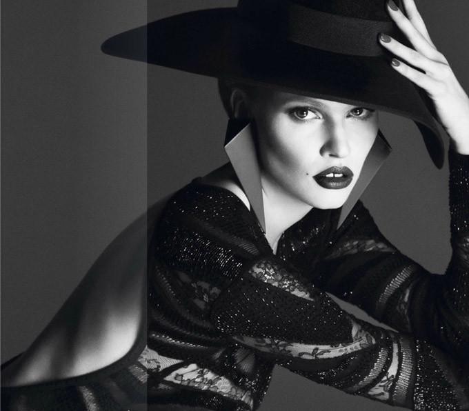 Lara-Stone-Vogue-Paris-Mert-Marcus-13