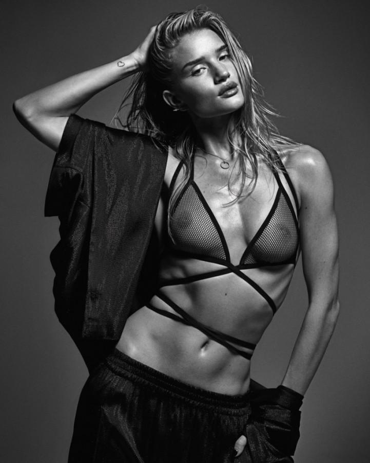 Perfect-Ten-by-Mario-Sorrenti-for-W-Magazine-March-2014-8 Rosie Huntington-Whiteley