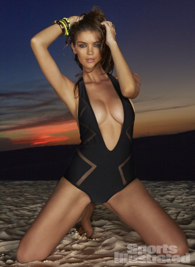 Natasha-Barnard-Sports-Illustrated-swimsuit-2014-2