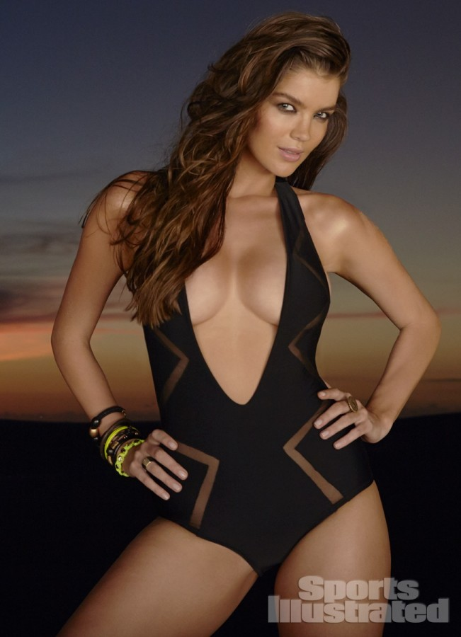 Natasha-Barnard-Sports-Illustrated-swimsuit-2014-3