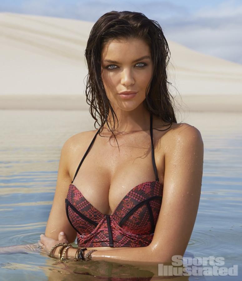 Natasha-Barnard-Sports-Illustrated-swimsuit-2014-6