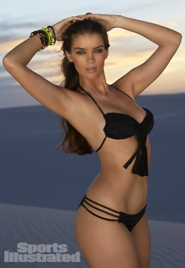 Natasha-Barnard-Sports-Illustrated-swimsuit-2014-12