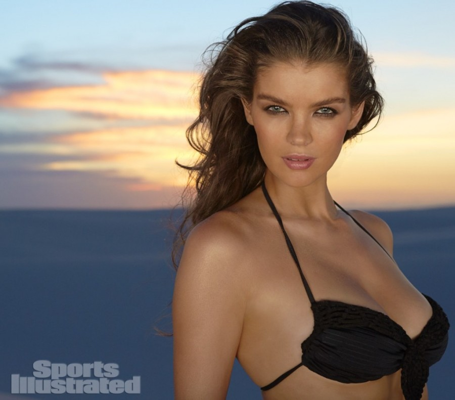 Natasha-Barnard-Sports-Illustrated-swimsuit-2014-13