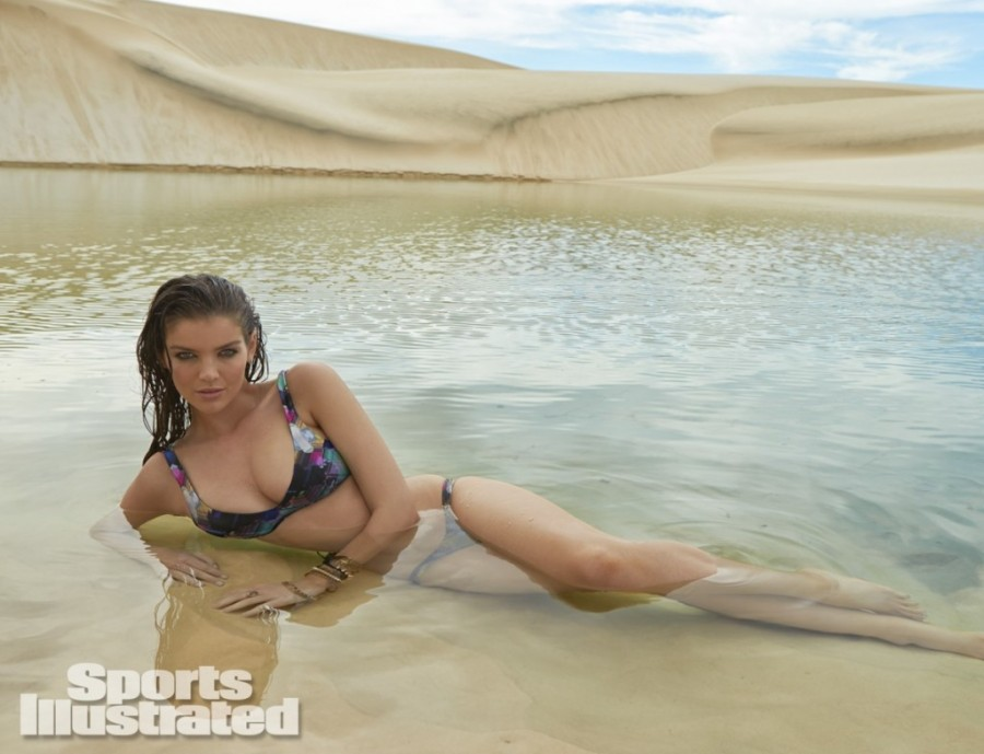 Natasha-Barnard-Sports-Illustrated-swimsuit-2014-19