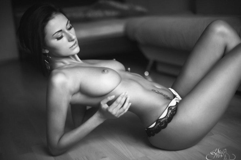 эротика-девушка-грудь-сиськи-1009530