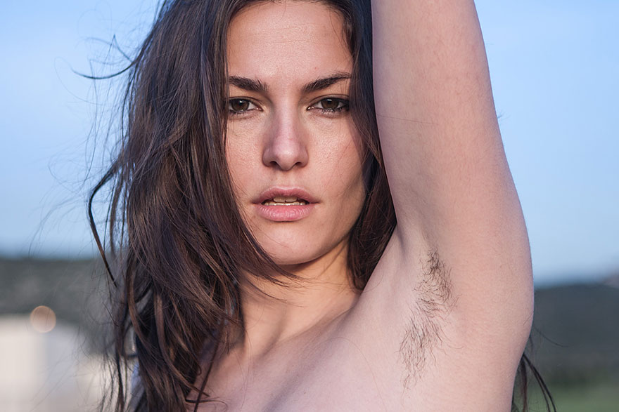 Видео приколы про девушек голышом и засветами что