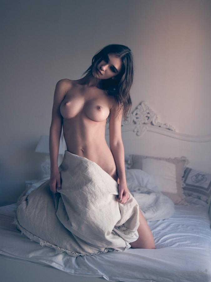 В постели с Паулой Paula_Bulczynska_08
