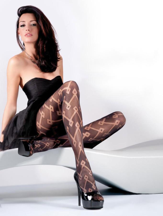 Kate-Sajur-Gabriella-Legwear-5-775x1024