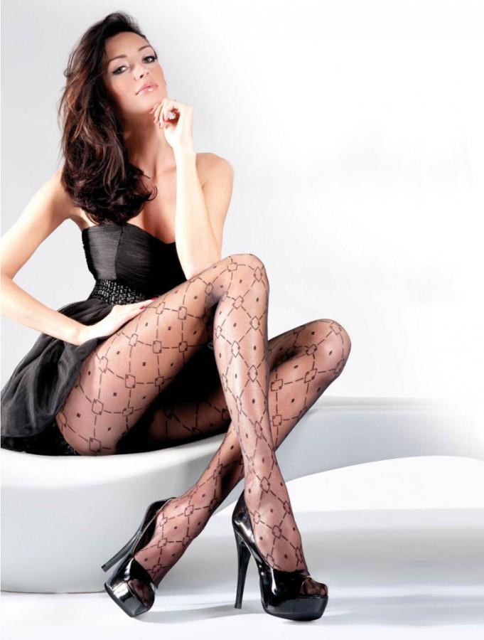 Kate-Sajur-Gabriella-Legwear-6-775x1024