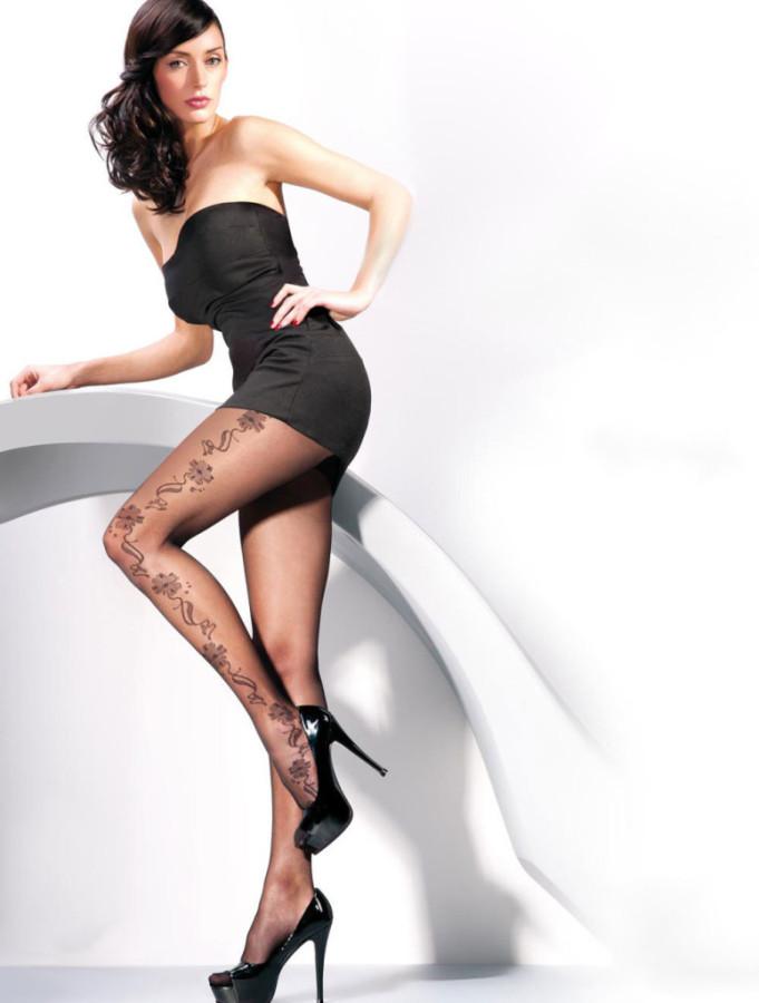 Kate-Sajur-Gabriella-Legwear-7-775x1024
