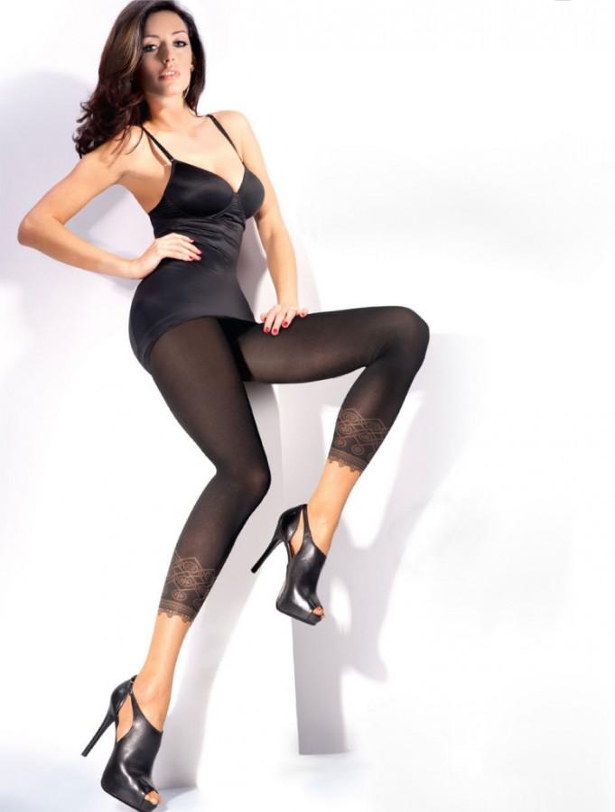 Kate-Sajur-Gabriella-Legwear-11-775x1024